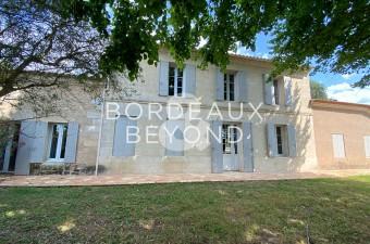 RARE : Petit vignoble dans l'appellation Montagne St Emilion avec belle Girondine.